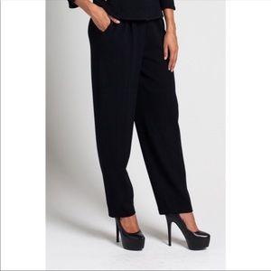 St. John Basics Santana Knit Black Pants - Size 8